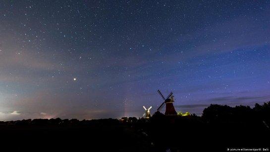 Фото дня: звездное небо над островом Зильт