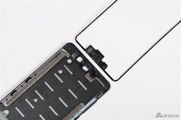 Xiaomi Mi Mix 2S подвергся полной разборке