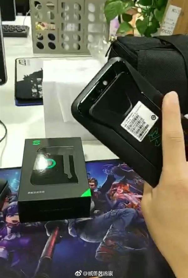 В преддверии анонса опубликованы фото игрового смартфона Black Shark