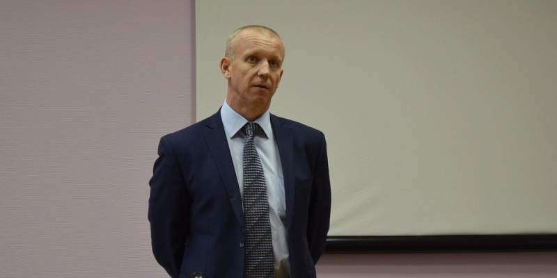 В преддверии слияния?: Директор Воронежского мехзавода Игорь Мочалин уходит в отставку