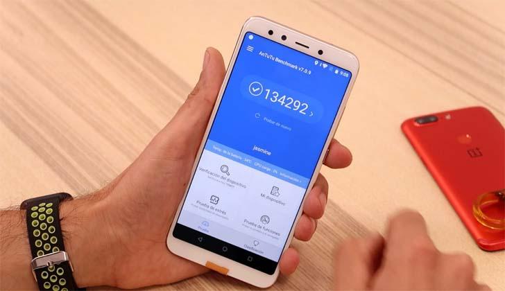 Xiaomi Mi A2 протестировали в бенчмарке AnTuTu
