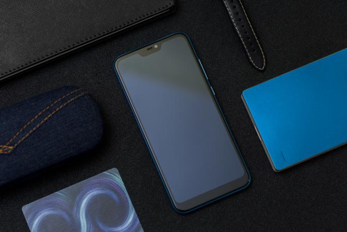 Опубликованы изображения синего Xiaomi Redmi 6 Pro