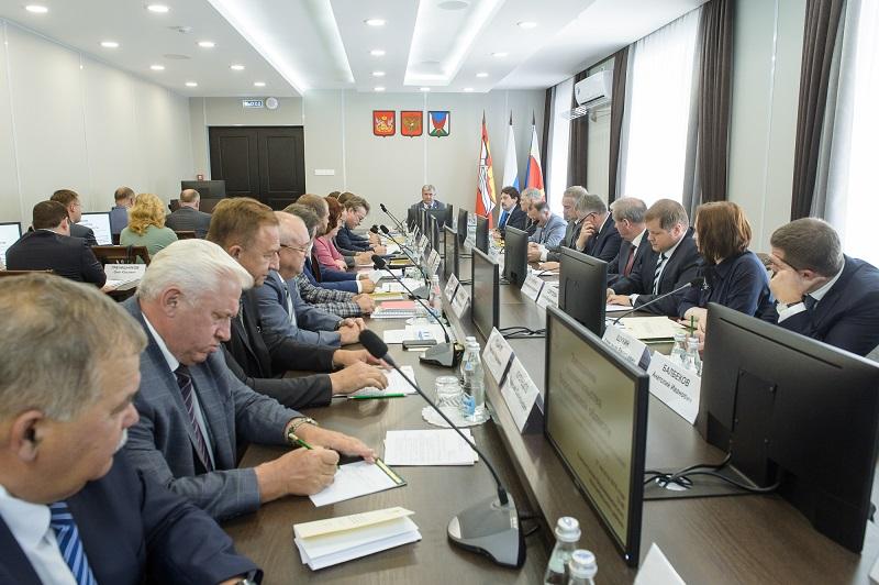 Не прощать «жуликов»: Глава Воронежской области потребовал усилить борьбу с налоговыми недоимками