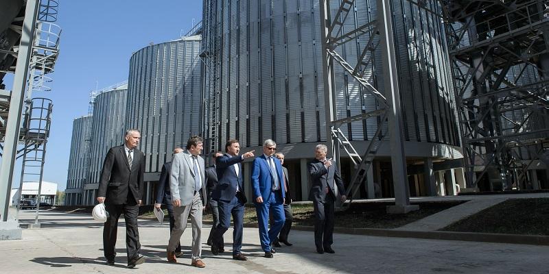 Хоть точка, но роста: Глава Воронежской области оценил работу инвесторов в Павловском районе