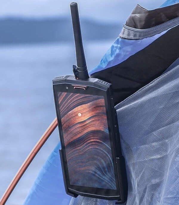 Представлен защищенный смартфон Doogee S80