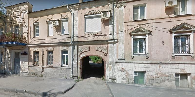 Попытка №5: Власти Воронежа поищут покупателя на помещения в историческом здании – «Доме с аркой»