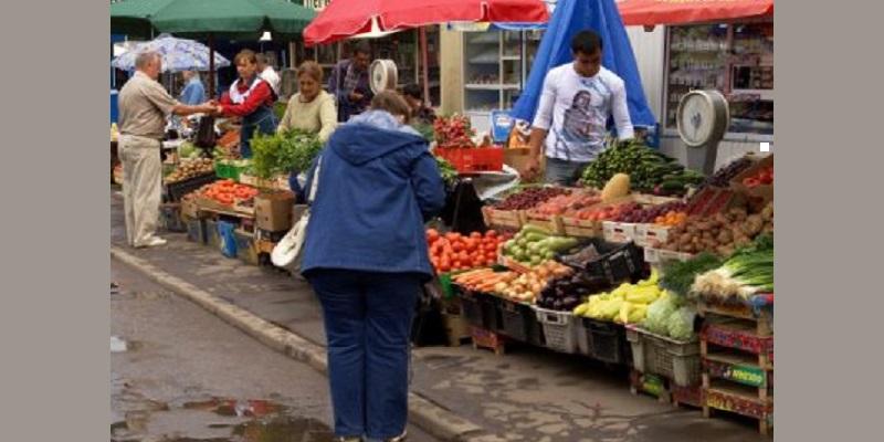Сдвинут с бойкого места: Мэр Воронежа озаботился незаконной торговлей возле рынка «1000 мелочей»