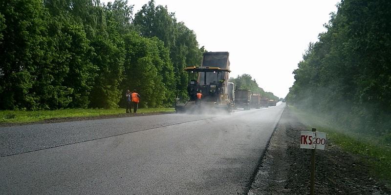 Подлатают асфальт: Воронежская компания «Дороги Черноземья» заработает на капремонте трассы Р-298 около 134 млн руб.