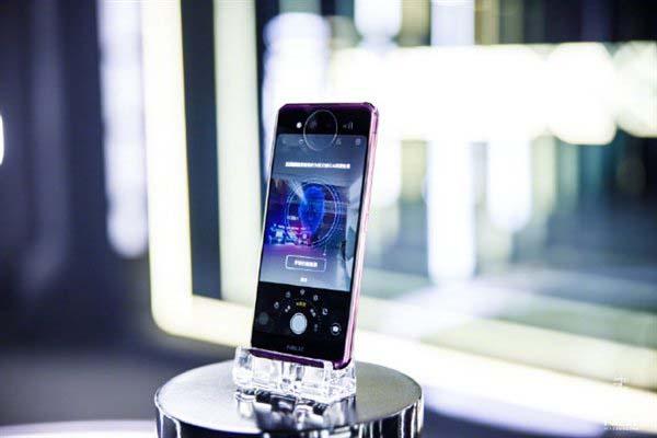 Состоялась премьера Vivo Nex Dual Display с двумя AMOLED-экранами