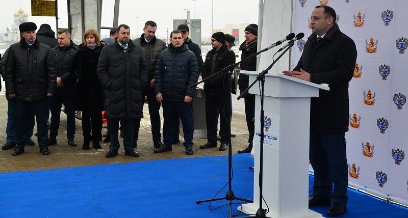 По трем полосам: После капремонта открыли участок дороги А-134 на выезде из Воронежа в Москву