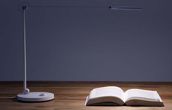 Xiaomi выпустила умную настольную лампу за