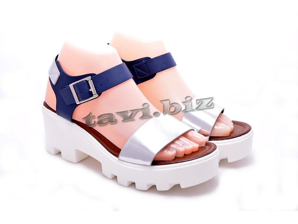 Магазин модной обуви TAVI