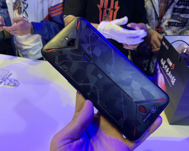 Игровой смартфон Nubia Red Magic 3 представлен официально