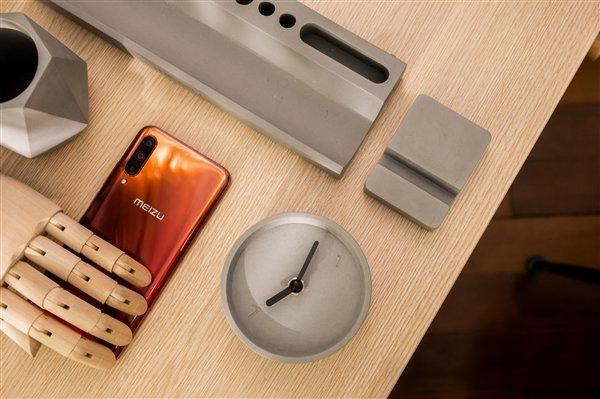Meizu анонсировала набор аксессуаров для рабочего стола 2020 New Year Gift Box