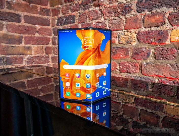 Huawei презентовала улучшенную версию сгибаемого смартфона Mate X