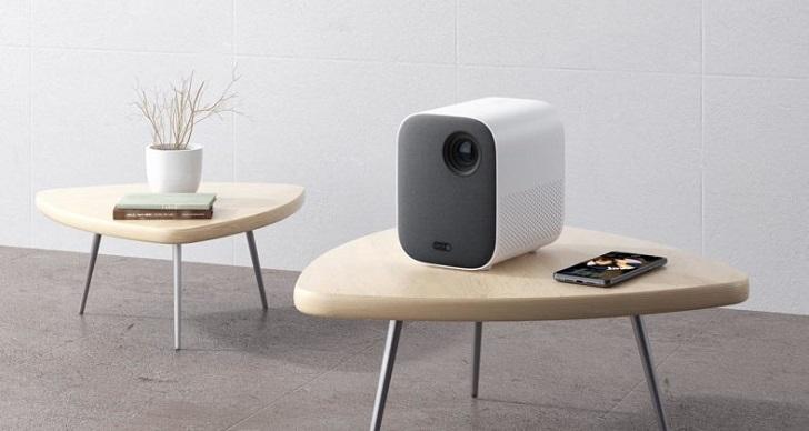 Xiaomi представила проектор Mi Smart Compact Projector за 600 долларов