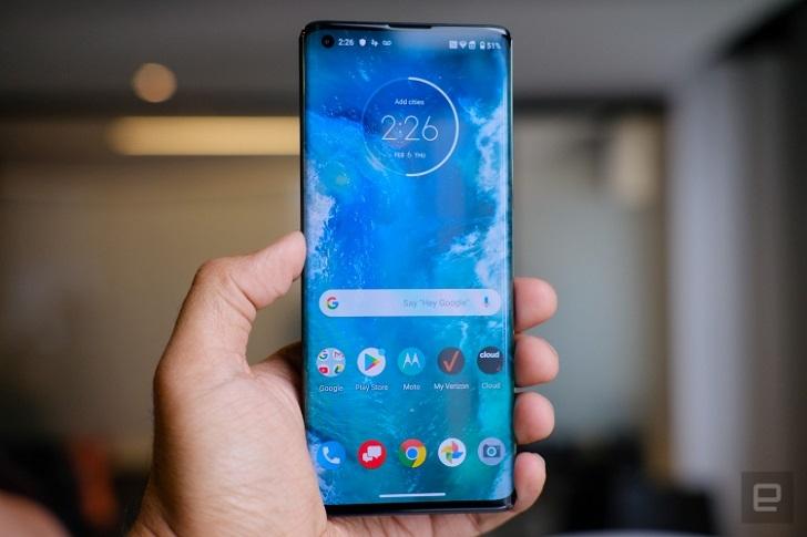 Motorola Edge+ представлен официально