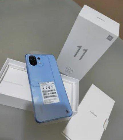 Xiaomi Mi 11 Lite показали на живых фото и видео
