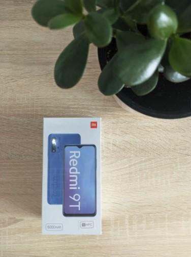 Распаковка и небольшой обзор смартфона Redmi 9T за 5552 гривен